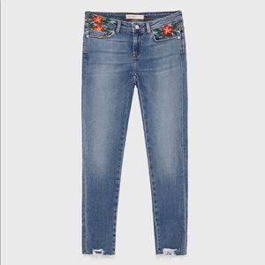 Zara Jeans Floral Embroidered Pockets Size 4 Blue